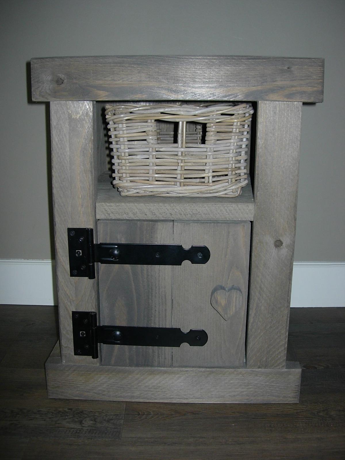 Steigerhouten nachtkastje kopen zeer goede kwaliteit en nu voordelig dre 39 s wooddesign - Een nachtkastje ...